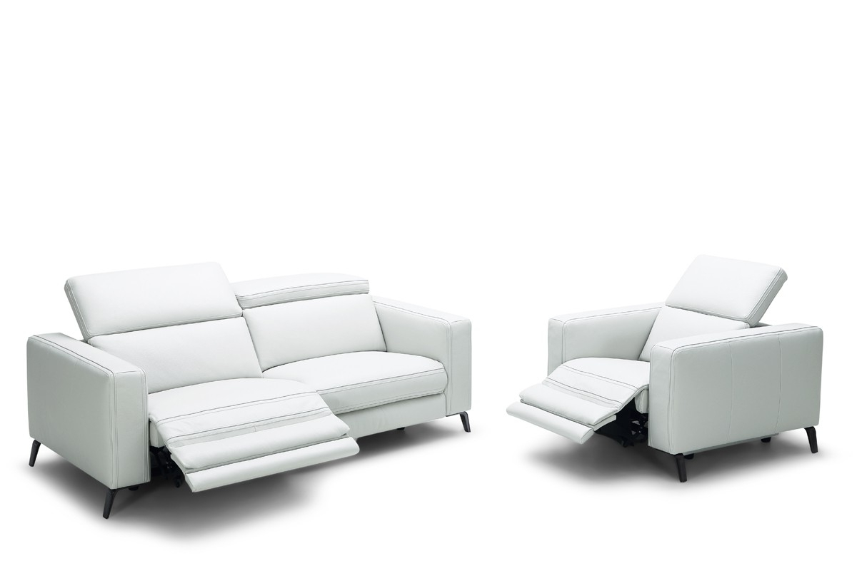 Modern Reclining Leather Sofas Pertaining To Most Popular Divani Casa Roslyn Modern White Leather Sofa Set W/ Recliners (View 13 of 15)