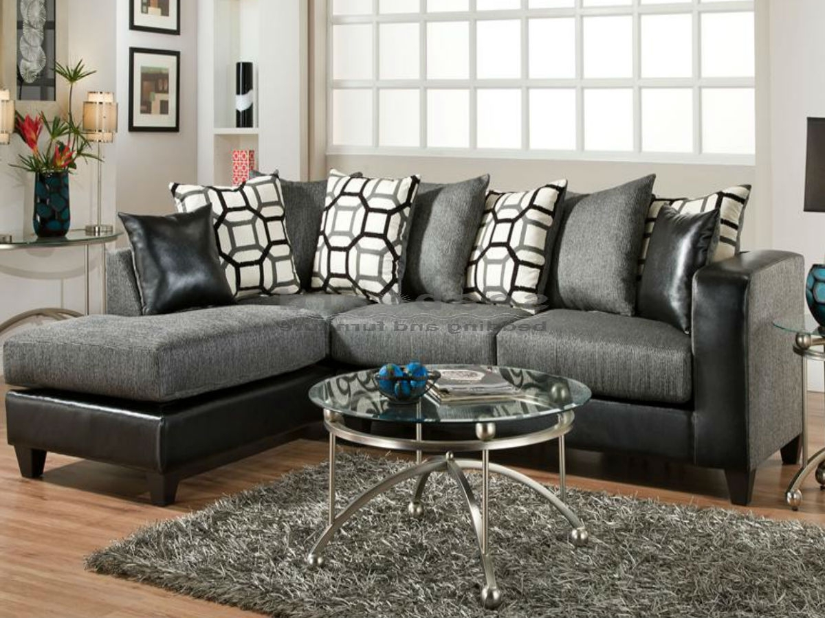 Most Popular Charcoal Gray Sectional Sofas With Chaise Lounge Pertaining To Amusing Charcoal Gray Sectional Sofa With Chaise Lounge 91 On Pull (View 2 of 15)