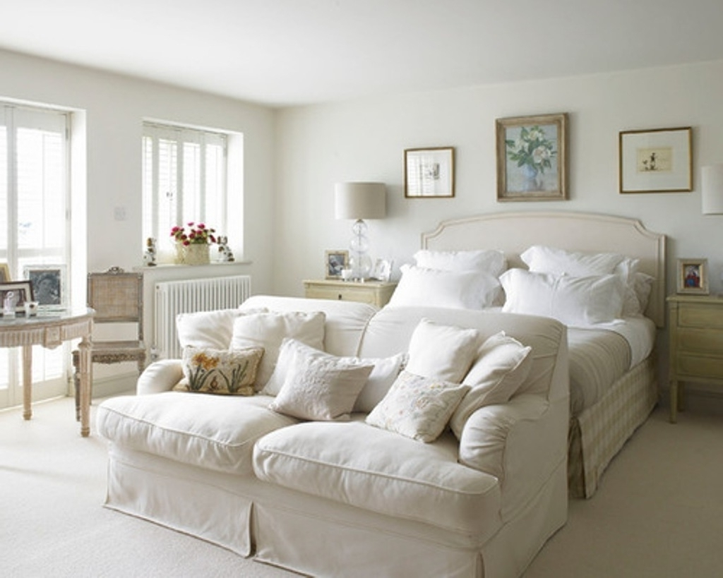 Most Popular Sofa Chairs For Bedroom For Classic White Sofa Chairs For Vintage Bedroom Decorating Ideas (View 2 of 15)