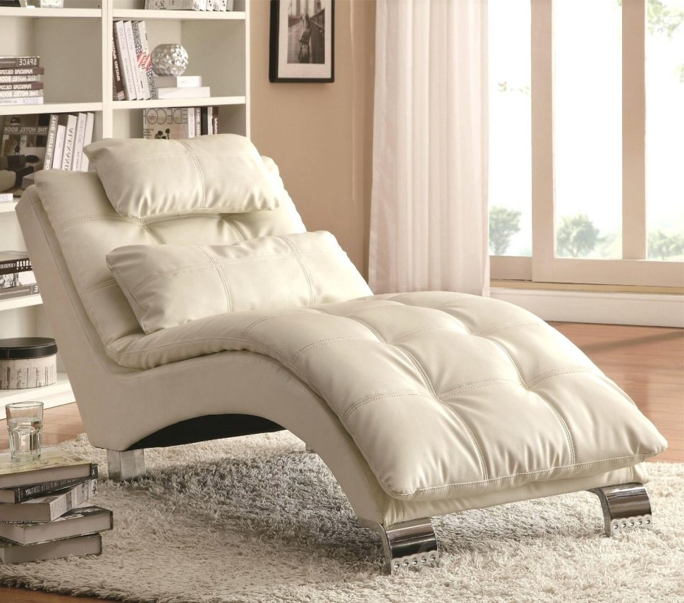 Most Up To Date Cheap Indoor Chaise Lounges With Convertible Chair : Lounge Indoor Black Leather Lounge Chair (View 13 of 15)