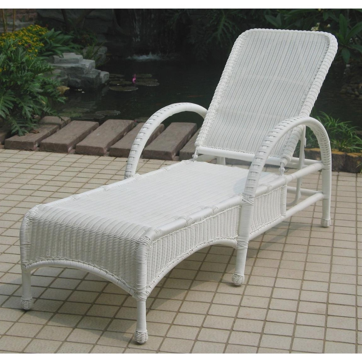 Most Up To Date Uncategorized : Outdoor Wicker Chaise Lounge In Trendy Brayden With Regard To White Wicker Chaise Lounges (View 5 of 15)