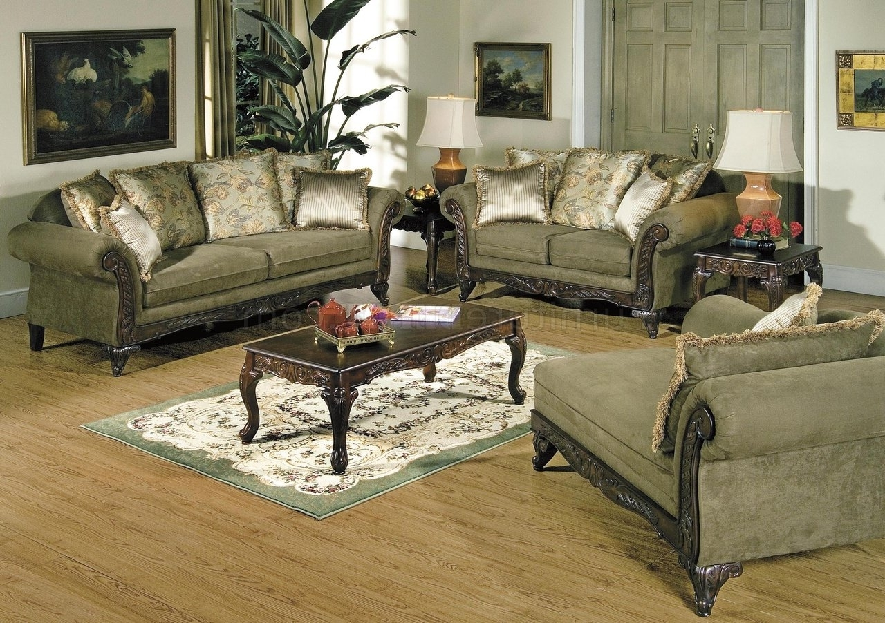 Newest Traditional Sofas And Chairs Intended For Traditional Living Room Furniture With Wooden Table (View 4 of 15)