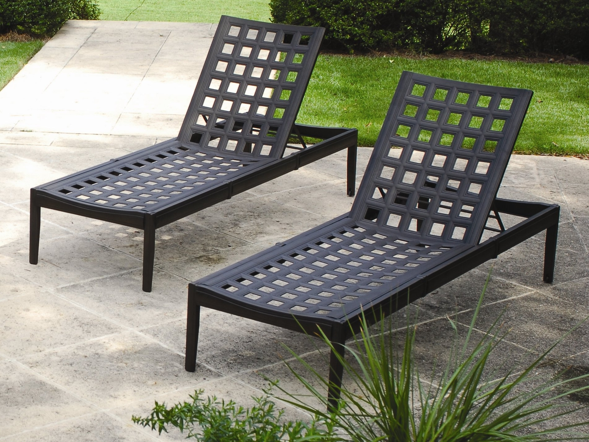 Outdoor Cast Aluminum Chaise Lounge Chairs In Most Recently Released Cast Aluminum Chaise Lounge Chairs • Lounge Chairs Ideas (View 4 of 15)