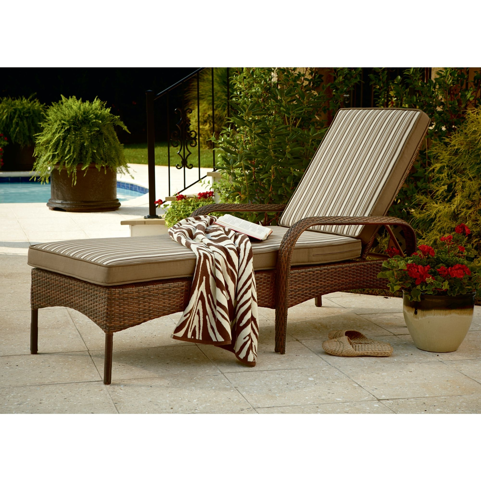 Outdoor Wicker Chaise Lounges Pertaining To Well Known Outdoor : White Chaise Lounge Sofa Outdoor Chaise Lounge Covers (View 8 of 15)