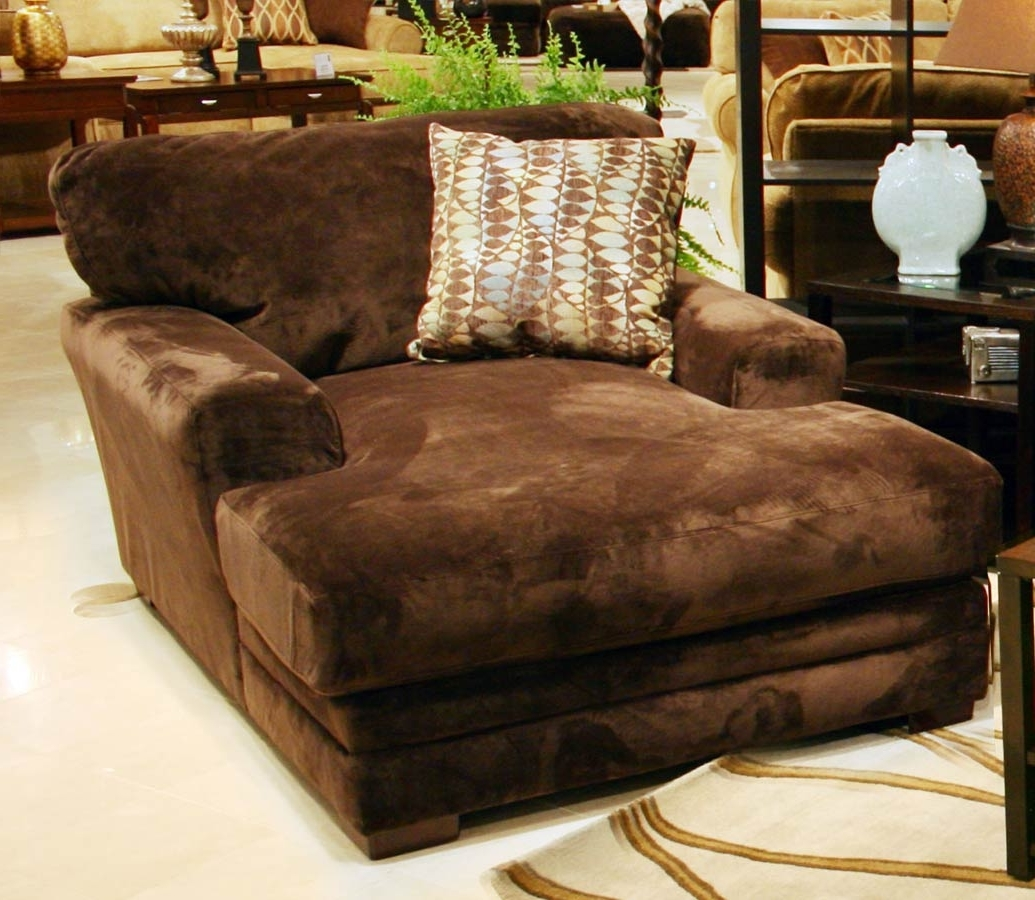 Oversized Chaise Chairs Regarding Widely Used Chocolate Brown Velvet Double Chaise Chair With Decorative Cushion (View 7 of 15)