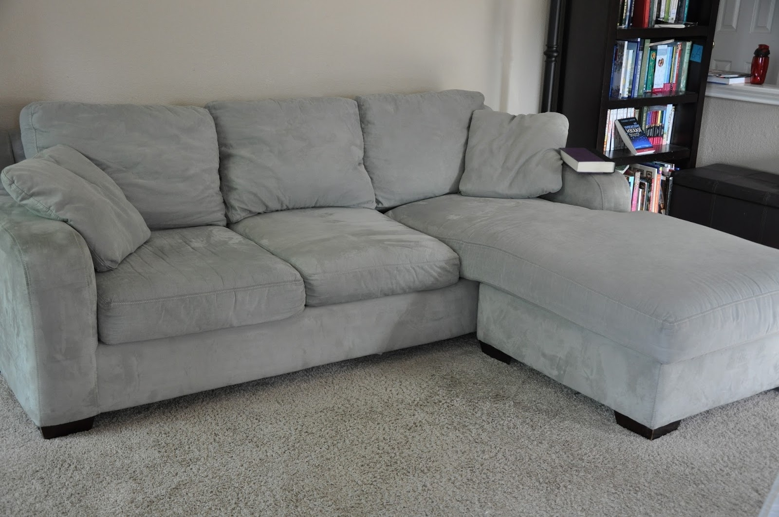 Overstuffed Sofas And Chairs With Fashionable Interior: Circle Sofa Chair And Overstuffed Couches (View 12 of 15)