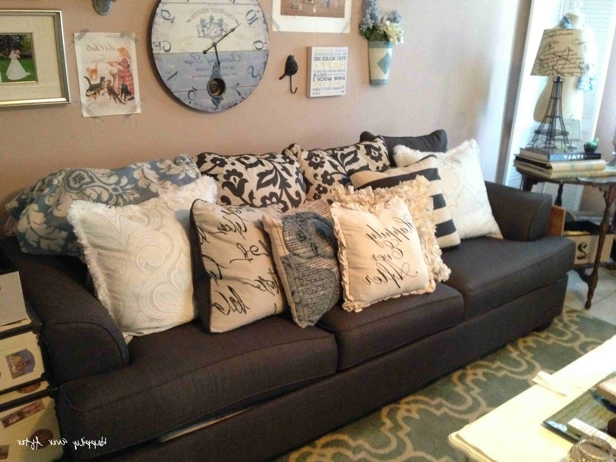 Pillows Design : Oversized Pillows Pillows Designs Throughout Well Known Sofas With Oversized Pillows (View 7 of 15)