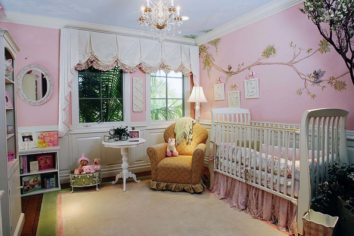 Popular Bedroom Classic Crystal Chandelier For Baby Nursery With White Crib Pertaining To Crystal Chandeliers For Baby Girl Room (View 12 of 15)