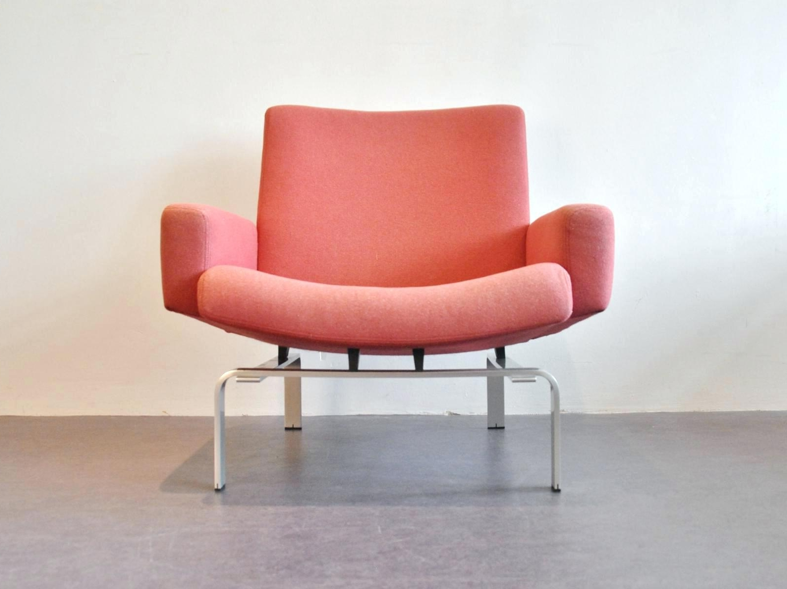 Popular Hot Pink Chaise Lounge Chairs With Regard To Pink Beach Lounge Chair • Lounge Chairs Ideas (View 8 of 15)