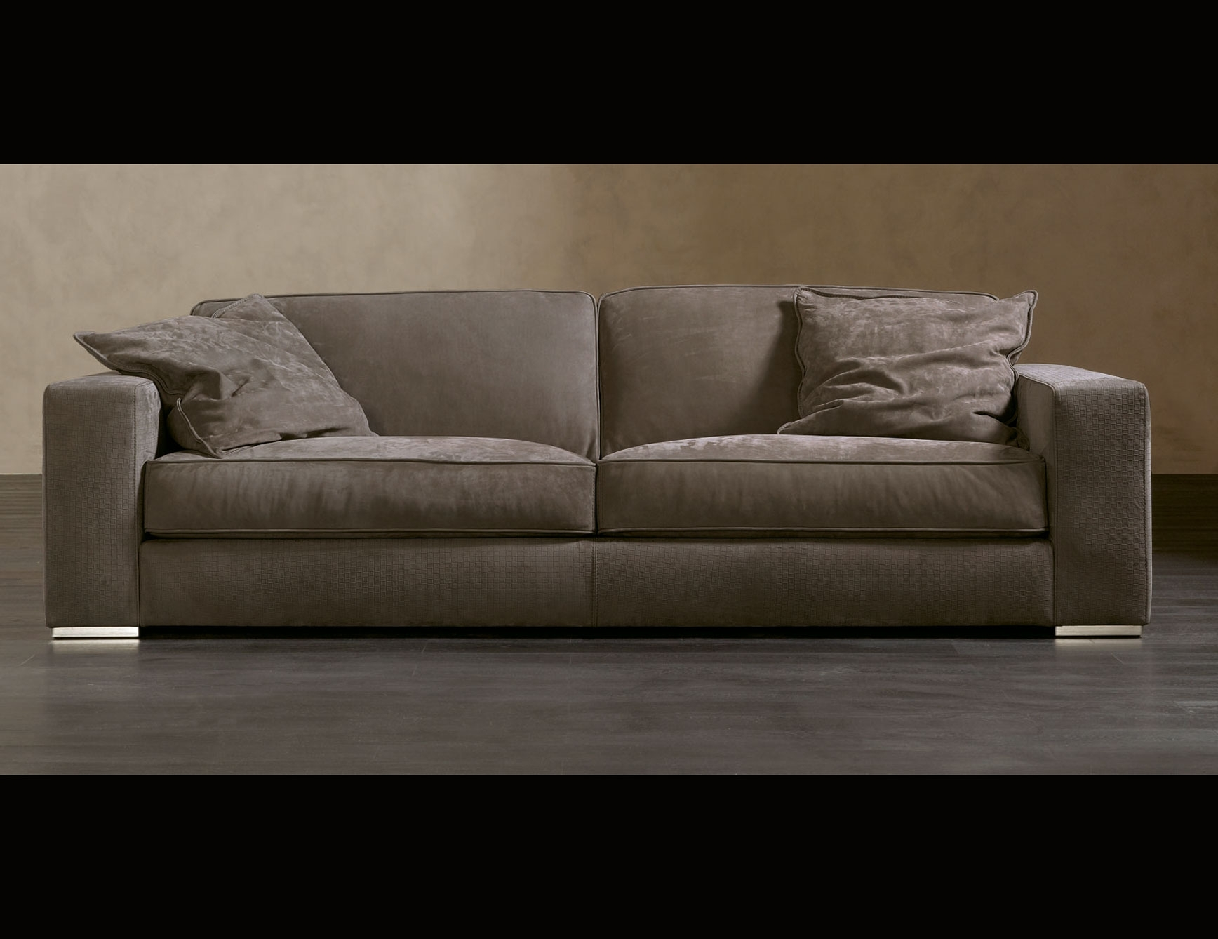 Popular Nella Vetrina Rugiano Augusto 6055 Upholstered Sofa In Sofas And Chairs (View 9 of 15)