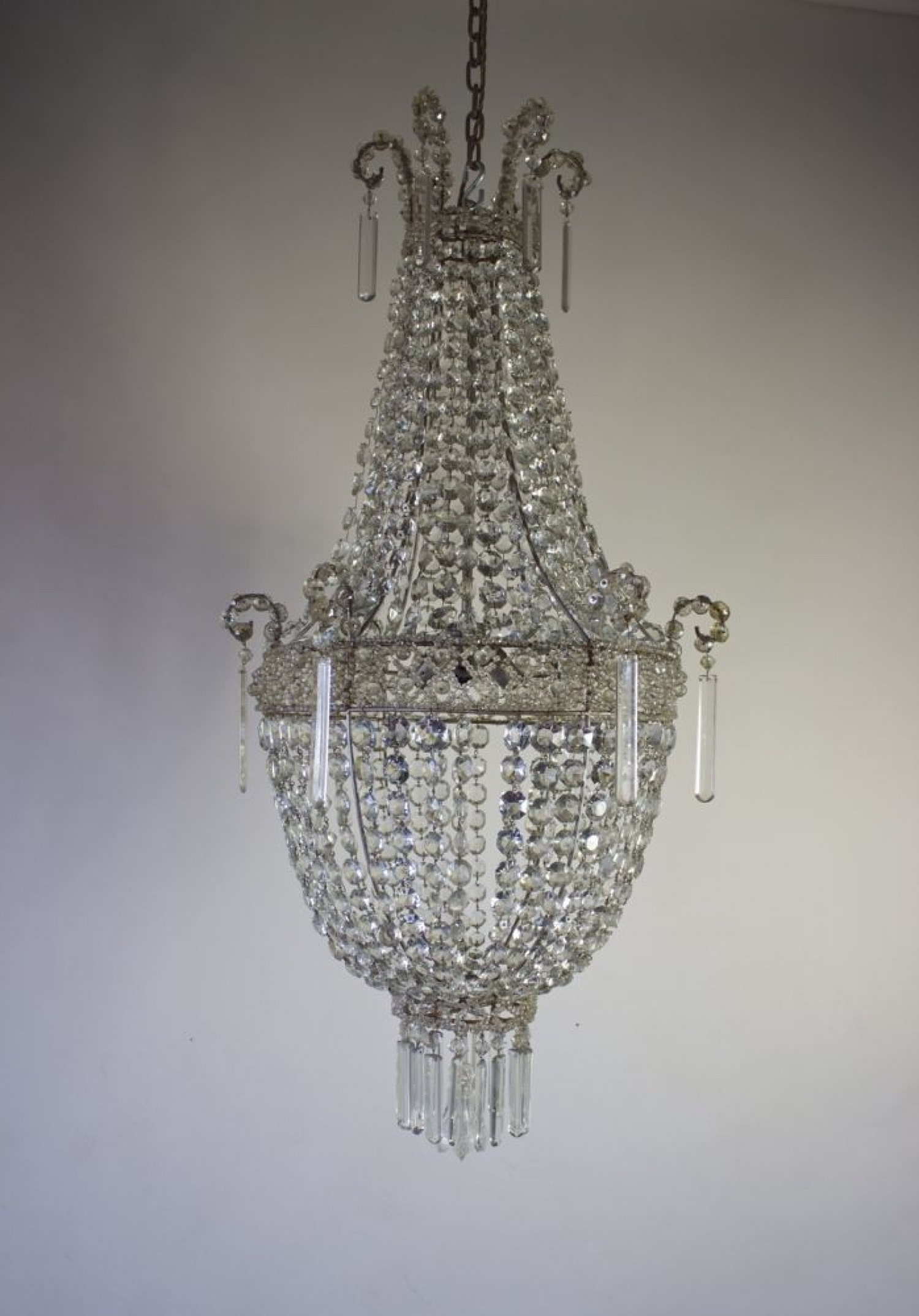 Preferred Cheap Big Chandeliers For Chandeliers Design Awesome Lighting Big Bathroom Modernheaphandelier (View 9 of 15)