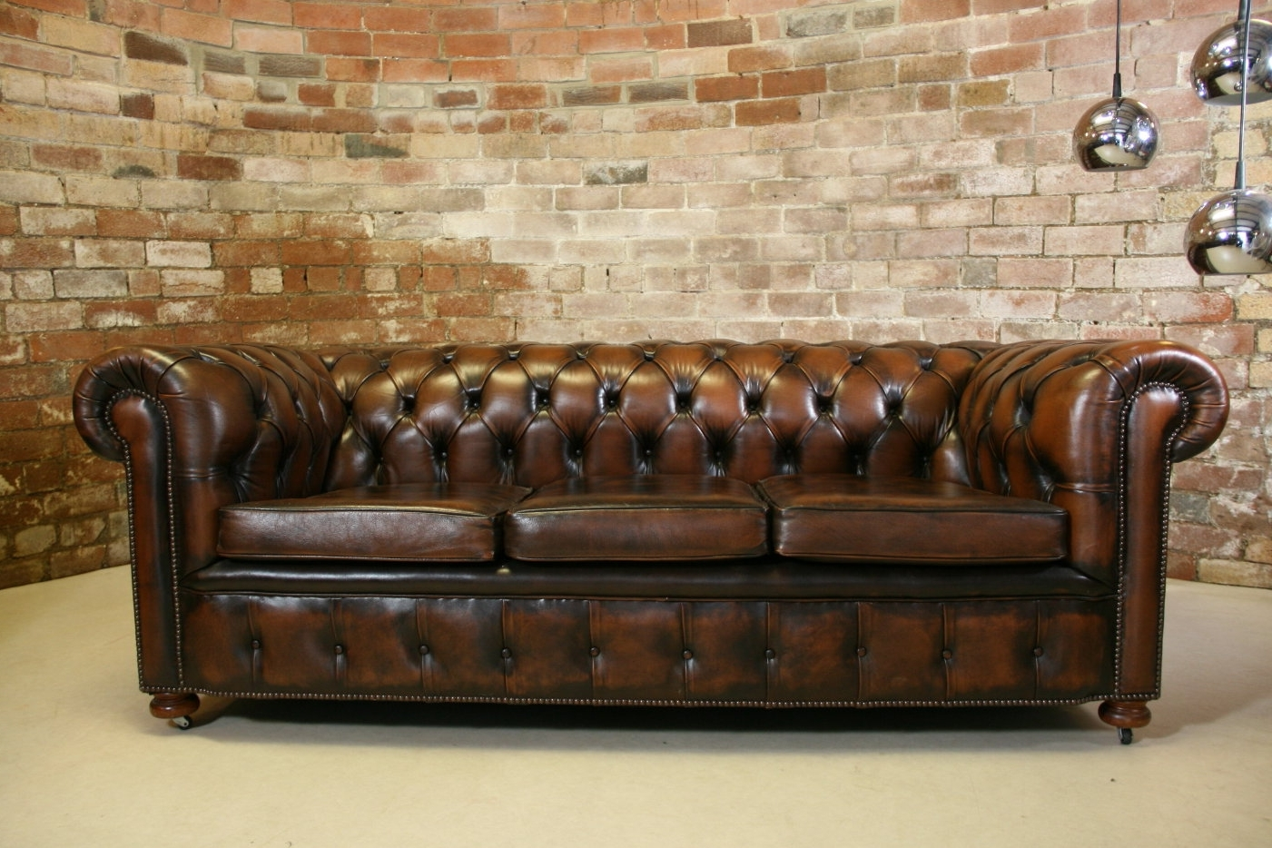 Preferred Leather Chesterfield Sofa — Fabrizio Design : Clean And Bright With Regard To Vintage Chesterfield Sofas (View 4 of 15)
