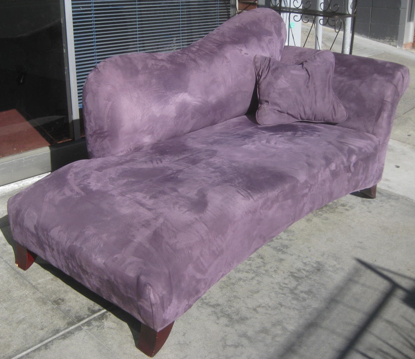 Purple Chaise Lounges Regarding Most Current Uhuru Furniture & Collectibles: Sold – Purple Chaise Lounge – $ (View 11 of 15)