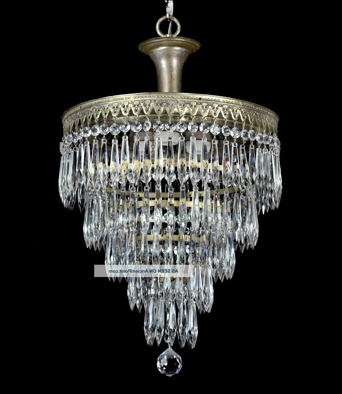 Recent Art Deco Chandeliers Pertaining To Chandeliers : Art Deco Chandelier Inspirational Vintage Wedding Cake (View 6 of 15)