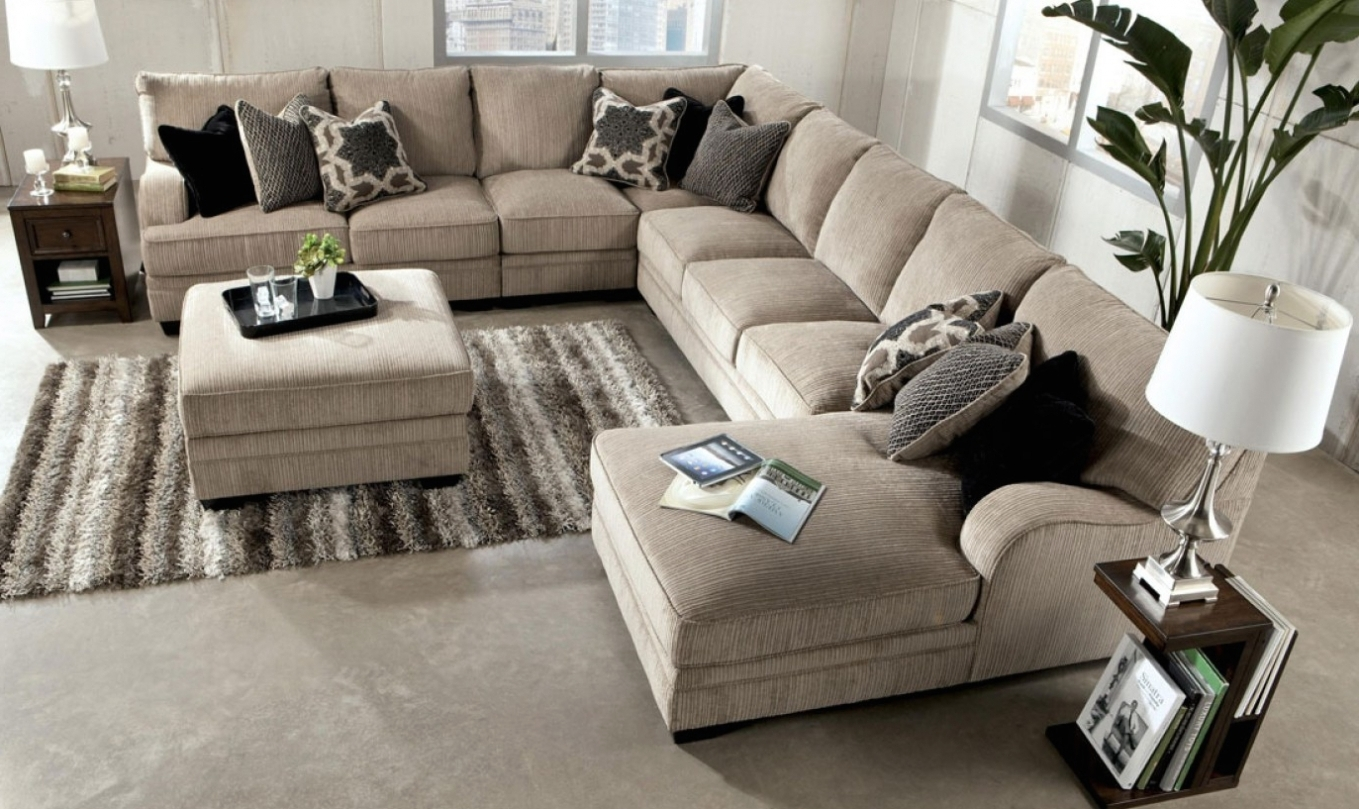 Sectional Sofas Under 1000 Regarding Most Up To Date Home Design: Enormous Sectional Sofa : Alluring Sleeper Sectional (View 6 of 15)