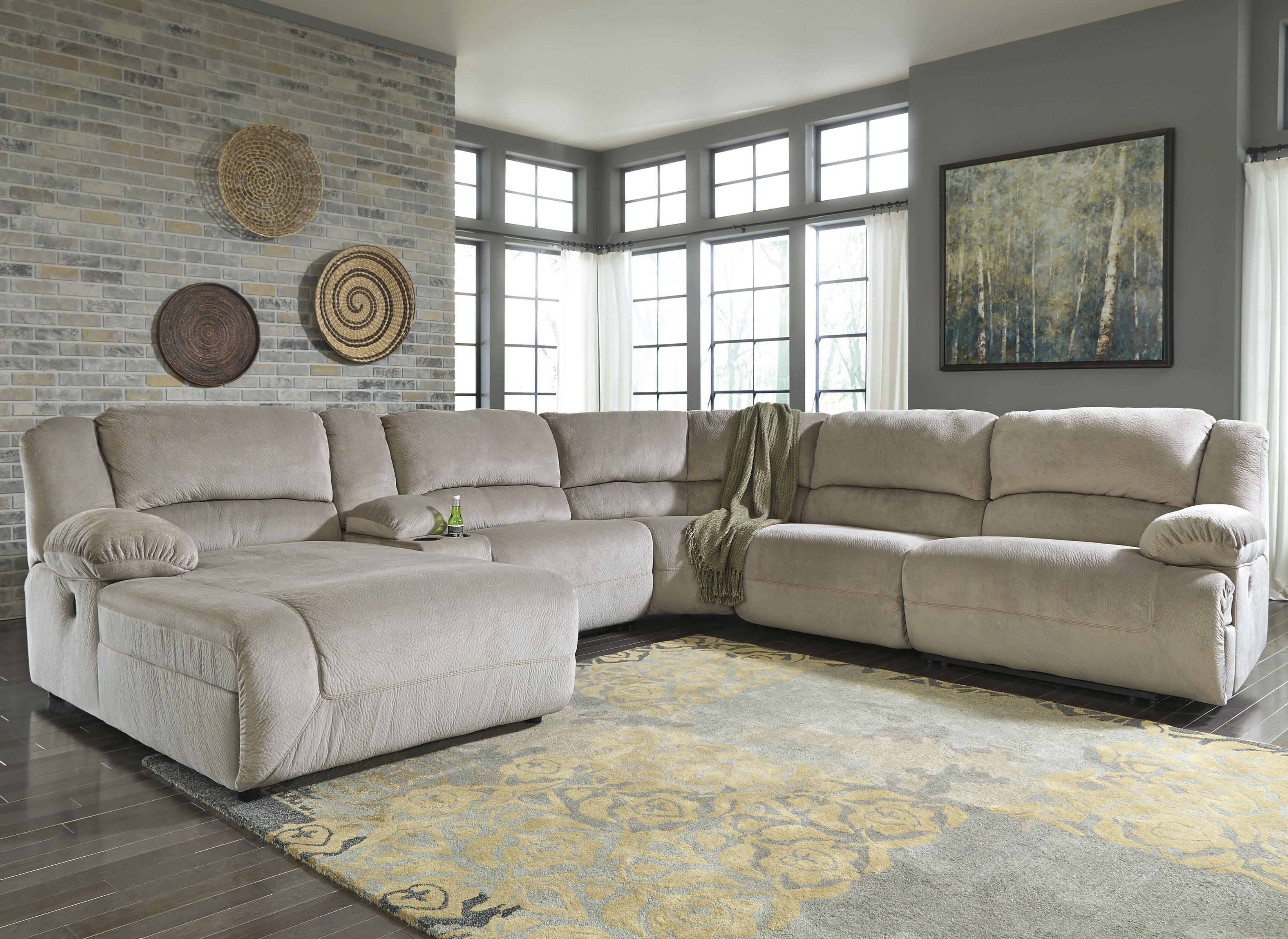 Sectional Sofas With Chaise And Recliner Throughout Current Reclining Sectional With Console & Right Press Back Chaise (View 14 of 15)