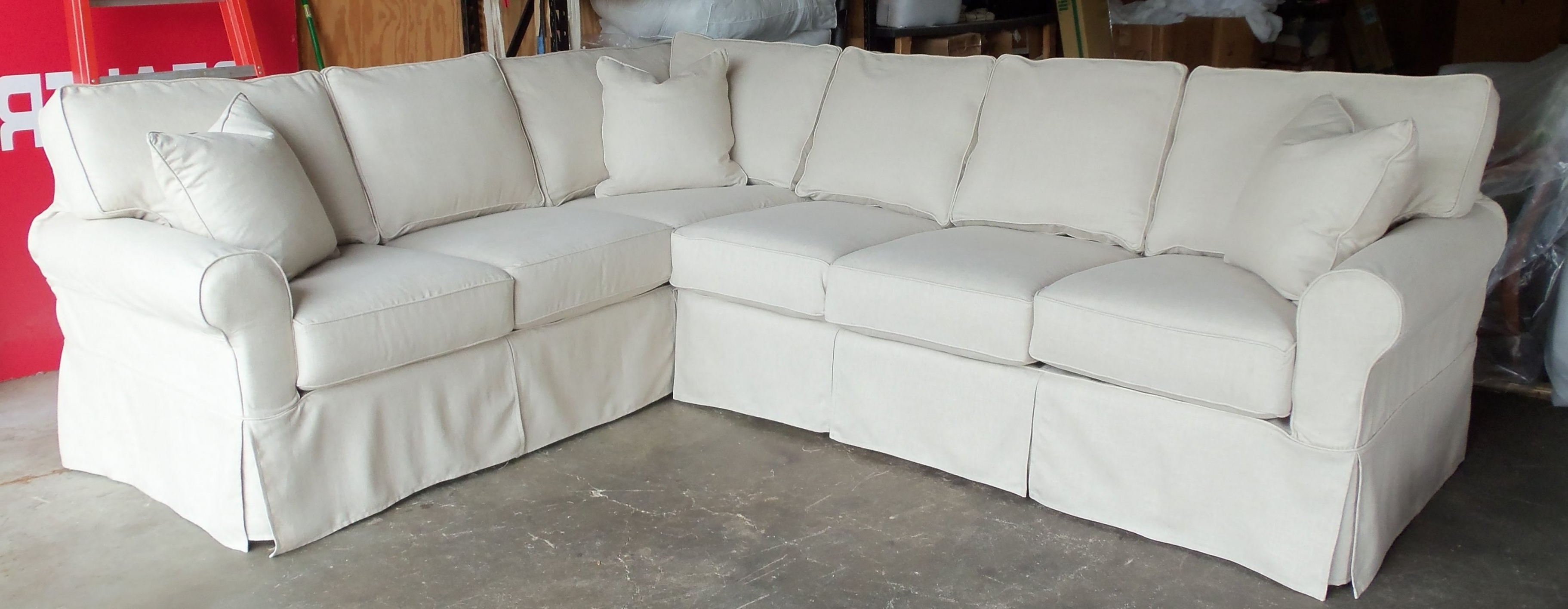Featured Photo of Slipcovered Sofas With Chaise