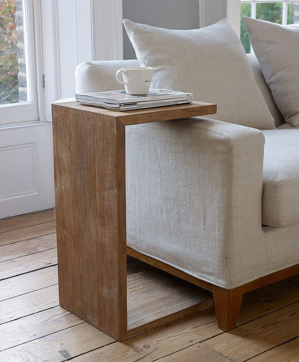 Sofas With Drink Tables In Fashionable 25+ Ideas About Modern Sofa Side Table You Can Use In Your Room (View 7 of 15)