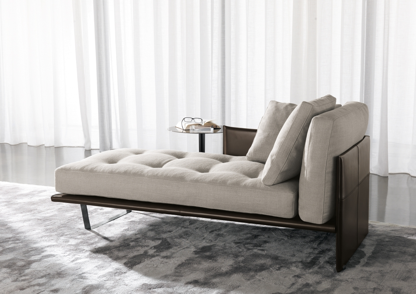 Switch Modern With Chaise Lounge Daybeds (View 11 of 15)