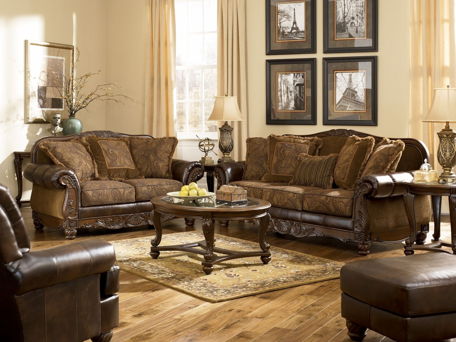 Traditional Sofas And Chairs Pertaining To Current Traditional Sofa Design Bringing Classical Vibe In Living Room (View 5 of 15)