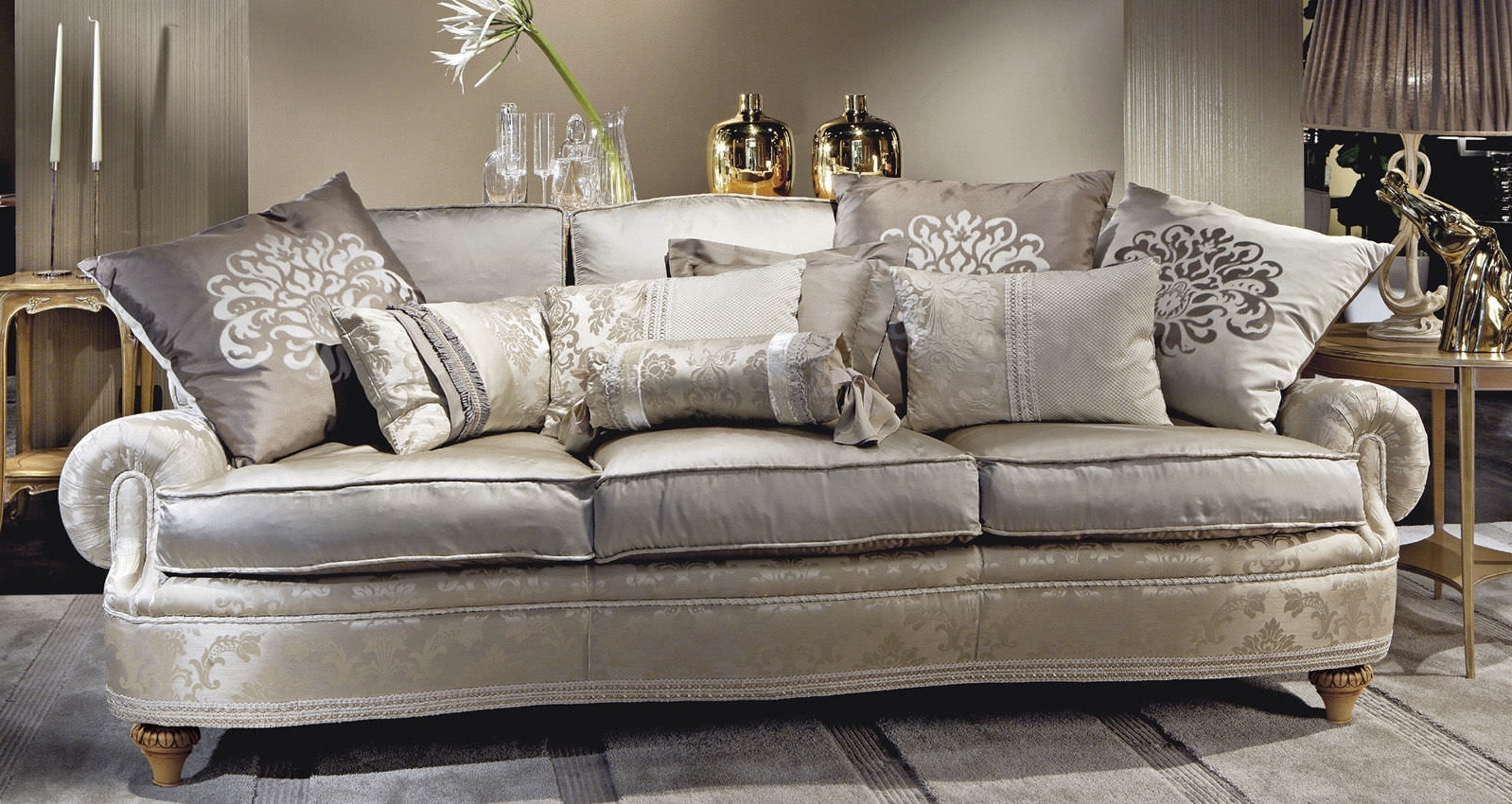 Traditional Sofas Intended For 2017 Epic Traditional Sofas 60 For Modern Sofa Inspiration With (View 5 of 15)