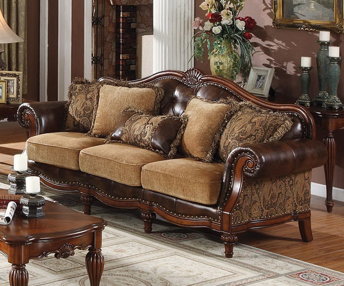Traditional Sofas Regarding Well Liked Traditional Sofas (View 6 of 15)
