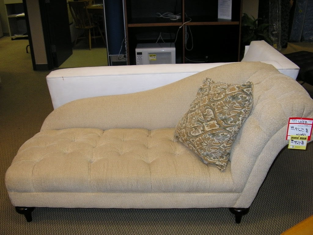 Trendy Inexpensive Chaise Lounges Inside Living Room: Small Chaise Longue Ikea Kivik Chaise Tufted Chaise (View 14 of 15)
