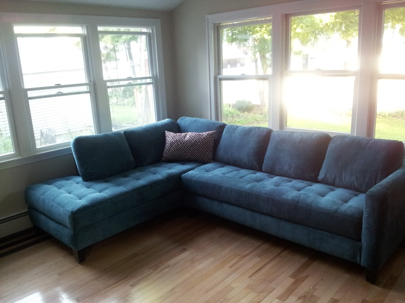 Trendy Quincy Il Sectional Sofas Regarding Furniture : Distressed Tufted Leather Sofa Living Spaces Belleview (View 8 of 15)