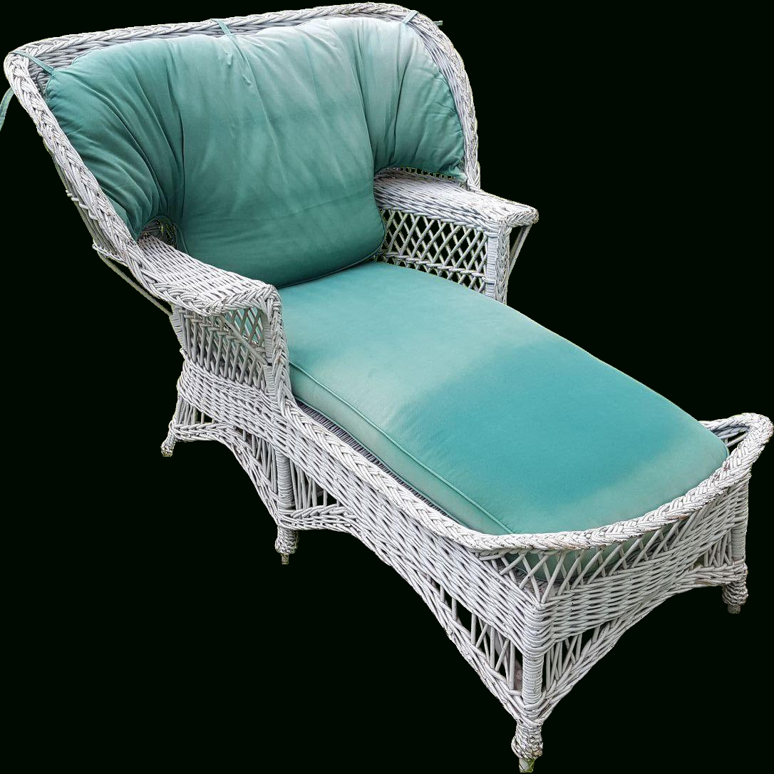 Trendy White Wicker Chaise Lounges With Regard To Very Rare Vintage Bar Harbor Wicker Wing Back Chaise Lounge Circa (View 8 of 15)