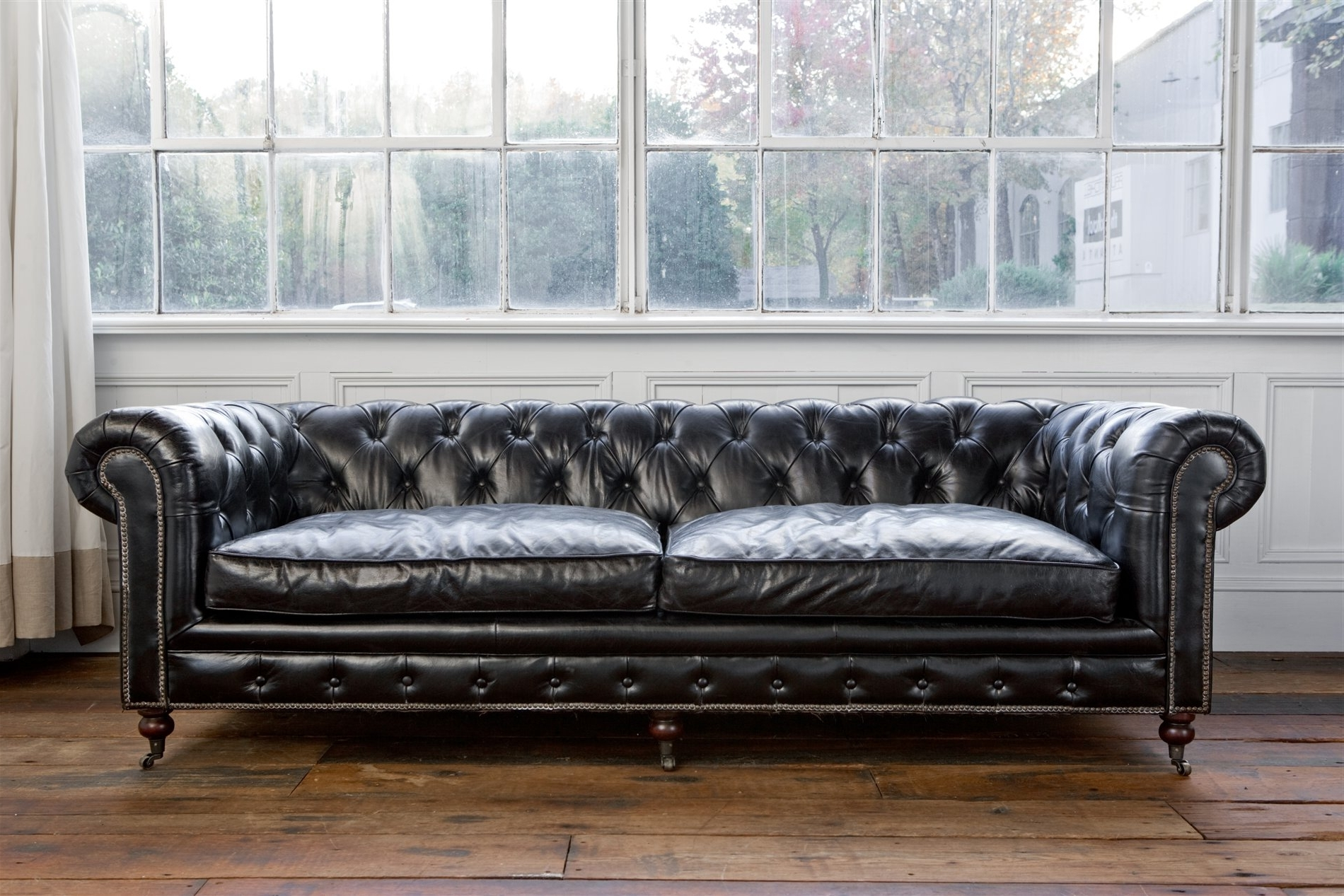 Tufted Leather Chesterfield Sofas With Famous Regina Andrew Design 4 164Vbk Extra Deep Blk Chesterfield Sofa Med (View 4 of 15)