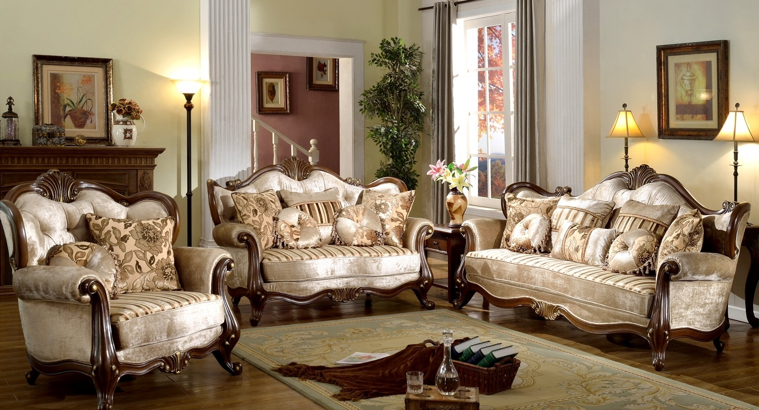 Victorian Leather Sofas In Fashionable Interesting Victorian Style Living Room Design With Luxury Cream (View 12 of 15)