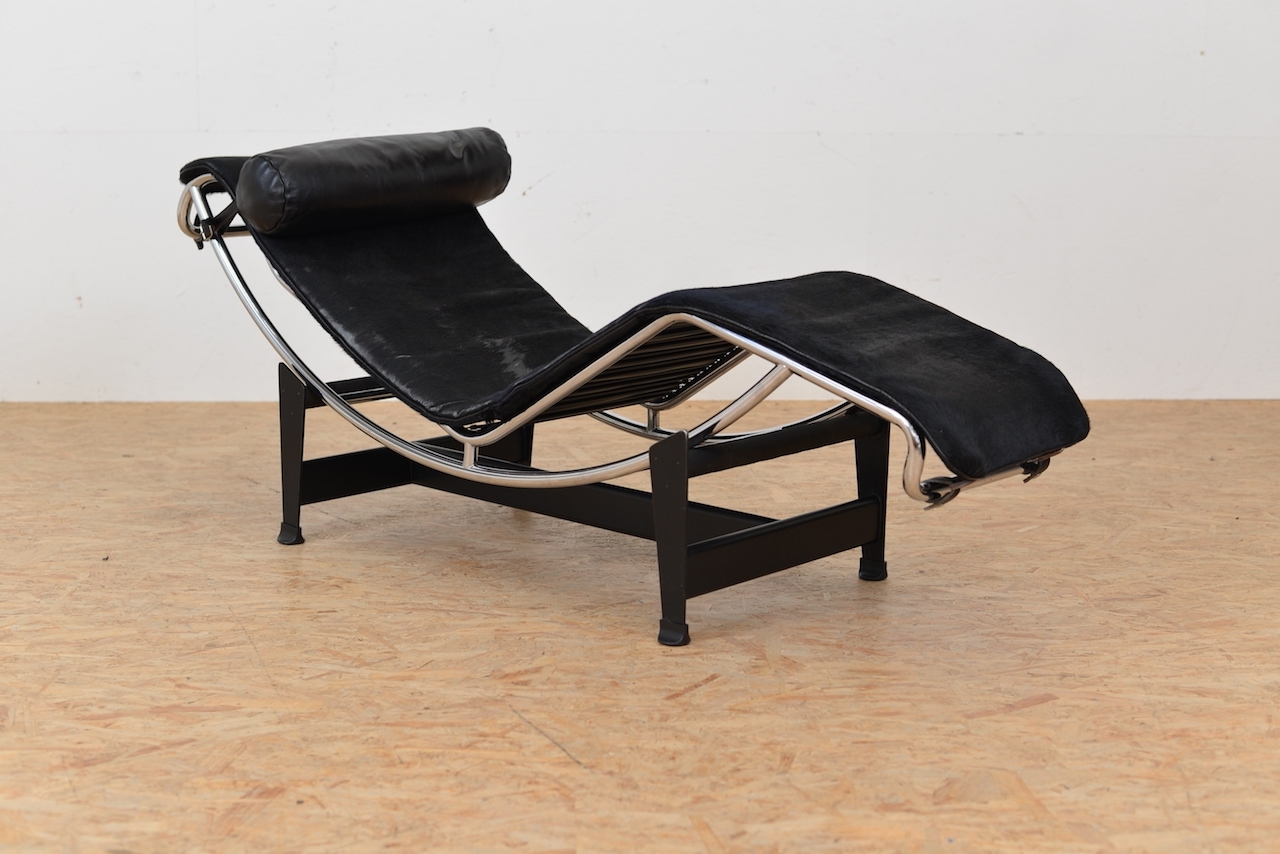 Vintage Lc 4 Chaise Lounge With Pony Hidele Corbusier throughout Trendy Corbusier Chaises