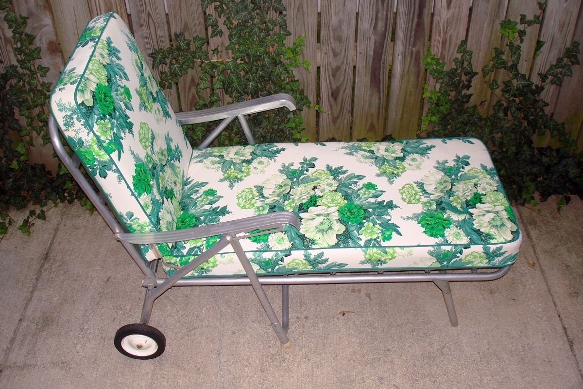 Vintage Outdoor Chaise Lounge Chairs for Most Recent Vintage Metal Lawn Chairs