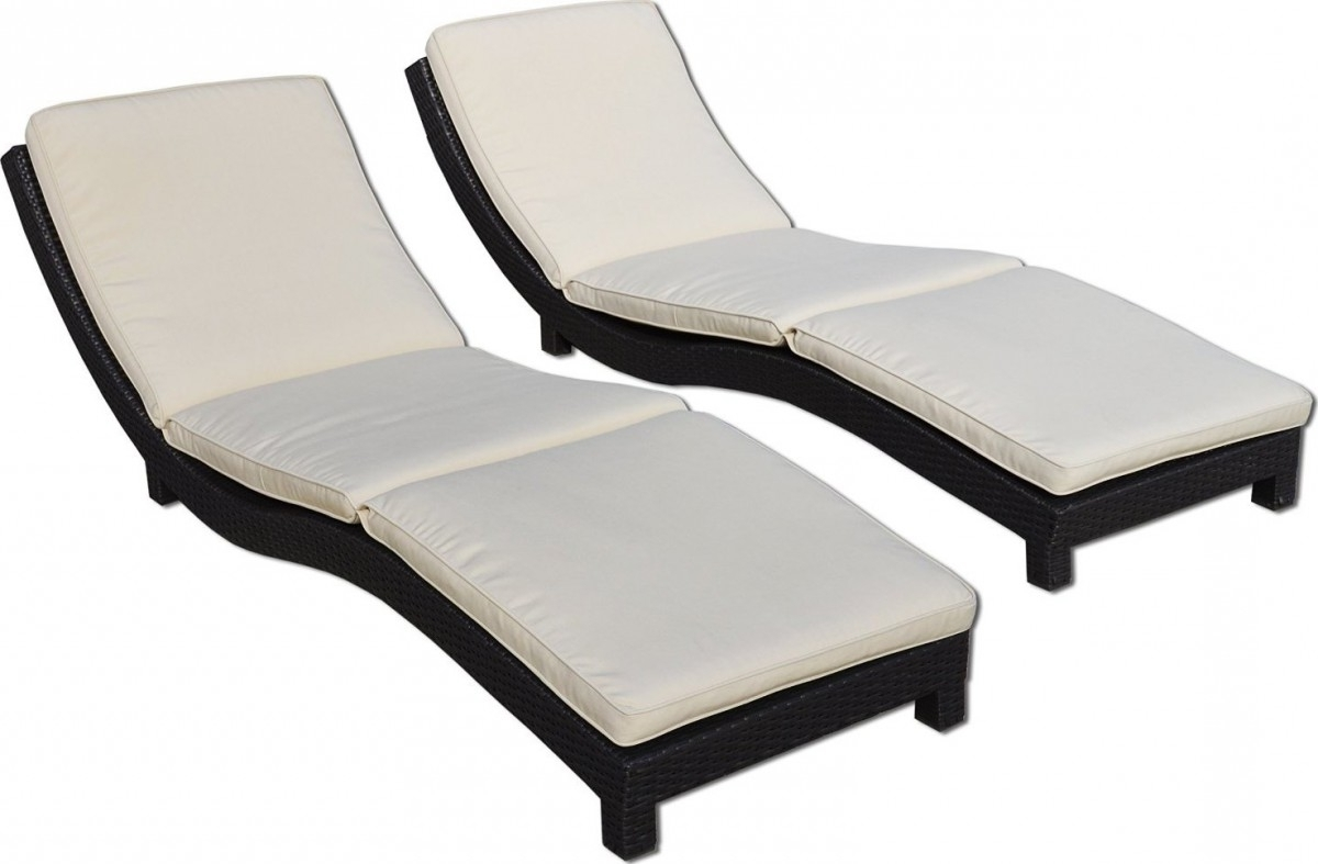 Widely Used Modern Living Outdoor Chaise Lounge Chairs W/ Cushions Throughout Chaise Lounge Chairs With Cushions (View 15 of 15)