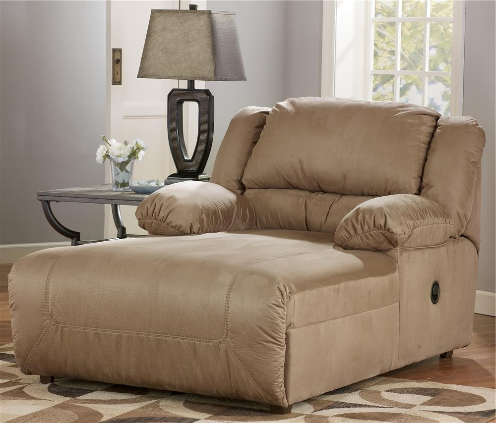 Widely Used Signature Designashley Hogan – Mocha 2 Arm Pressback Chaise With Regard To Ashley Chaise Lounges (View 2 of 15)