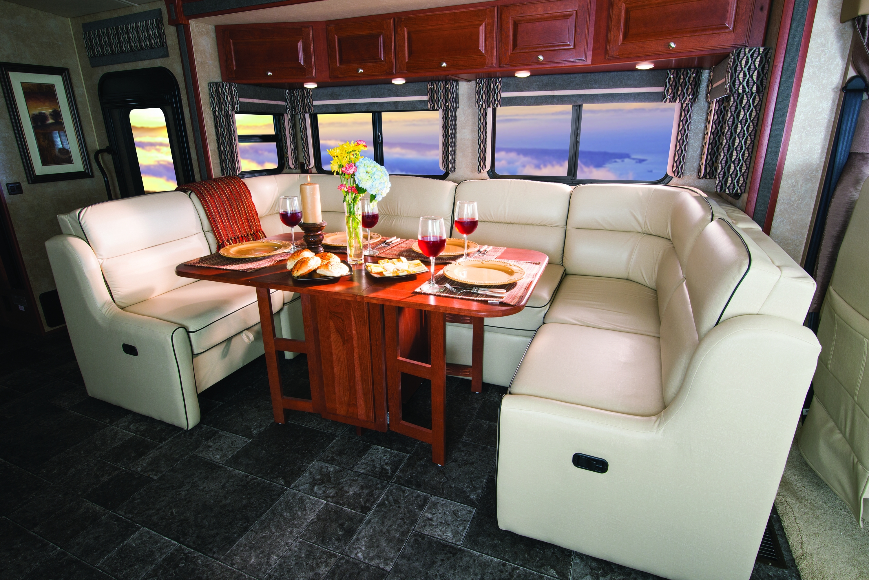 Winnebago Introduces 2014 Sightseer & Sunova Class A Motorhomes Regarding Newest Sectional Sofas For Campers (View 4 of 15)