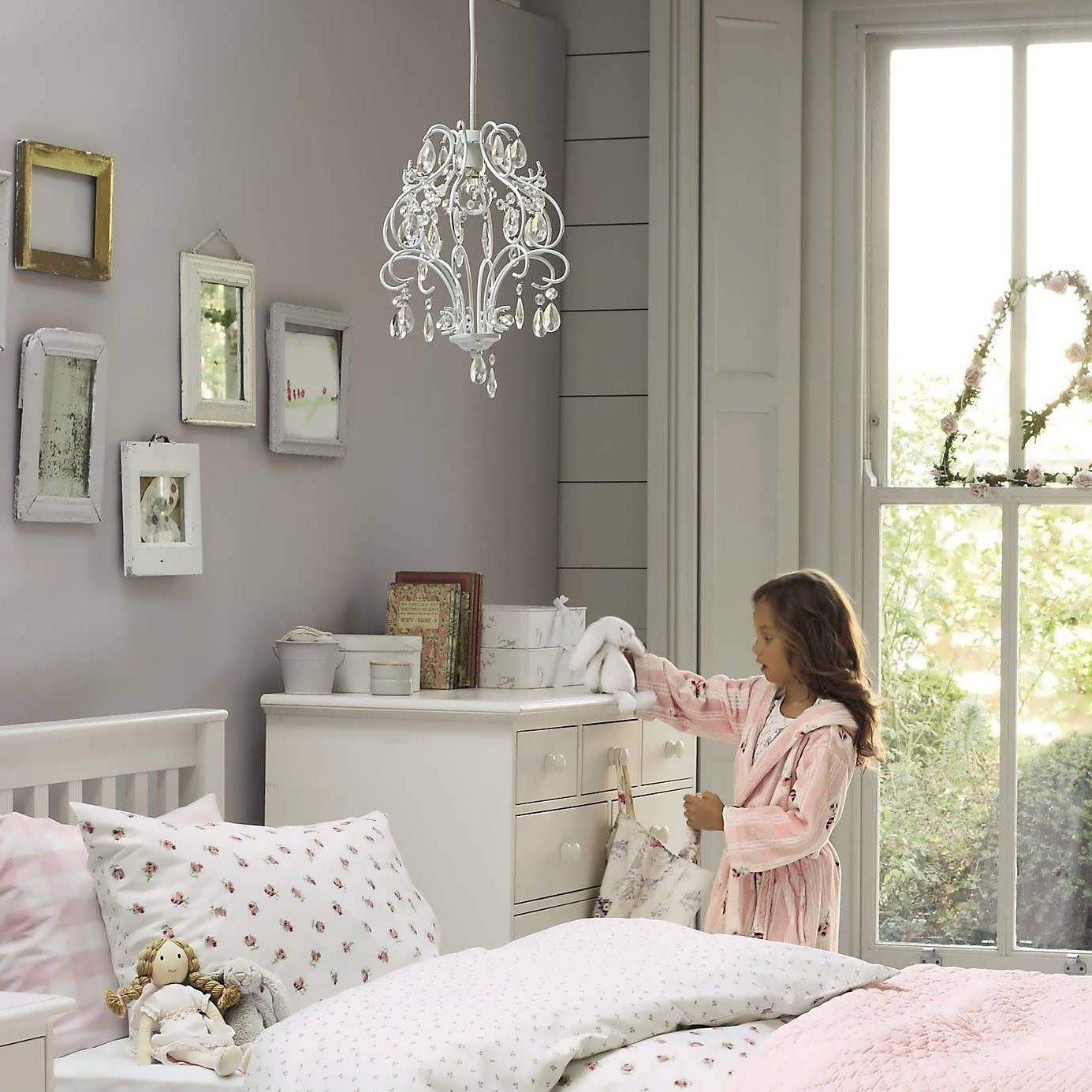 2017 Kids Bedroom Chandeliers Within Chandelier : Kids Ceiling Lights Chandelier Lights Contemporary (View 2 of 15)