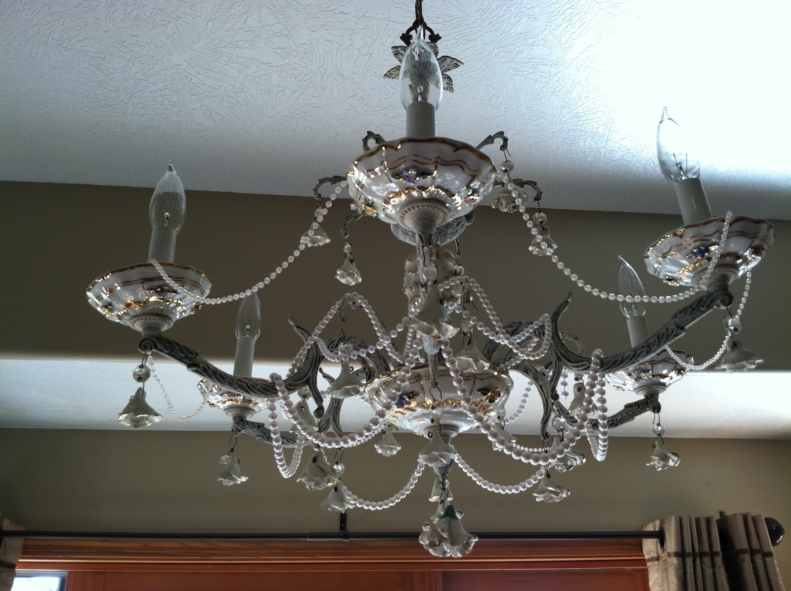 Current Chandeliers Design : Fabulous Shabby Chic Chandeliers Natural In Small Gypsy Chandeliers (View 6 of 15)