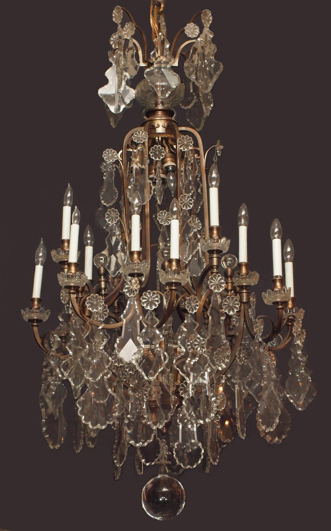 Famous Giant Chandeliers Throughout Giant Crystal Chandelier – Chandelier Designs (View 4 of 15)