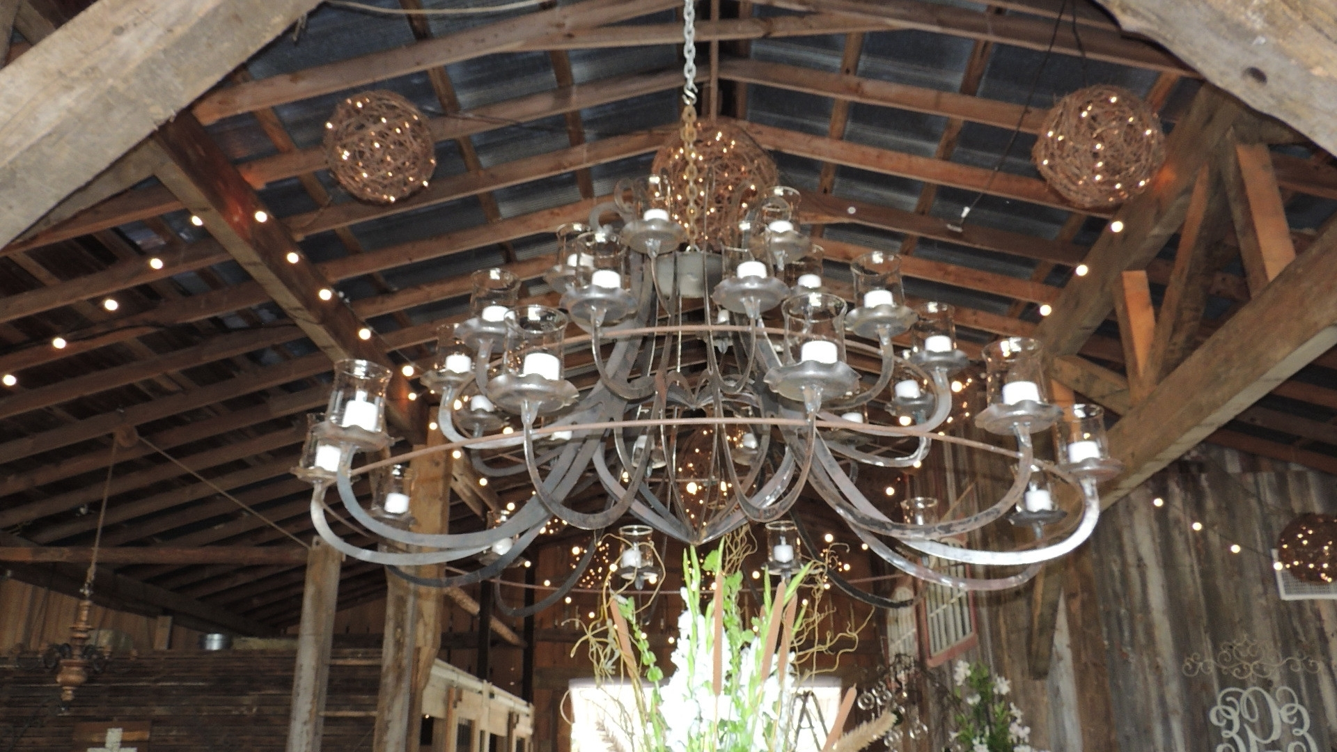 Fashionable Giant Chandeliers With Regard To Chandeliers : Big Chandelier Lovely Giant Huge Chandelier (View 15 of 15)