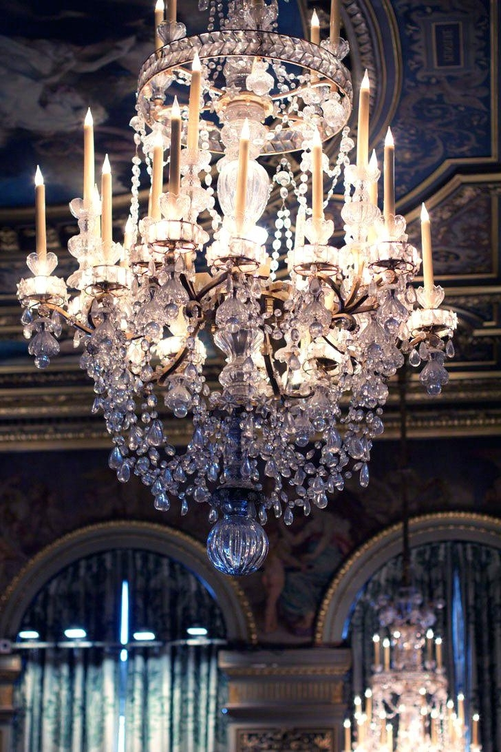 Huge Chandeliers Throughout Widely Used Huge Chandeliers Large For Sale Uk Modern Lighting – Thedwelling (View 11 of 15)