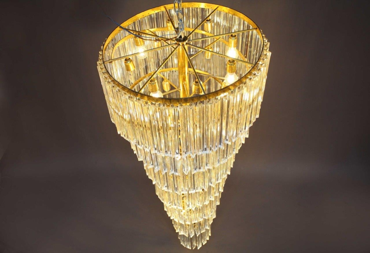Italian Chandeliers Contemporary To Build Atmosphere (View 10 of 15)