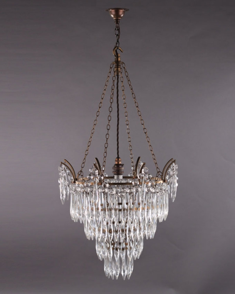 Luxurious Crystal Chandelier (View 6 of 15)