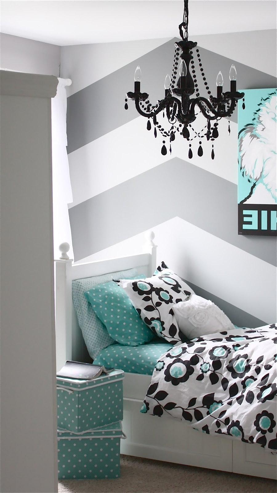 Featured Photo of Turquoise Bedroom Chandeliers