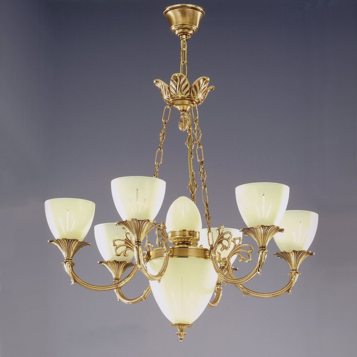 Most Up To Date Traditional Brass Chandeliers Intended For Antique Brass Chandelier : How To Paint Brass Chandelier – Home Designs (View 8 of 15)