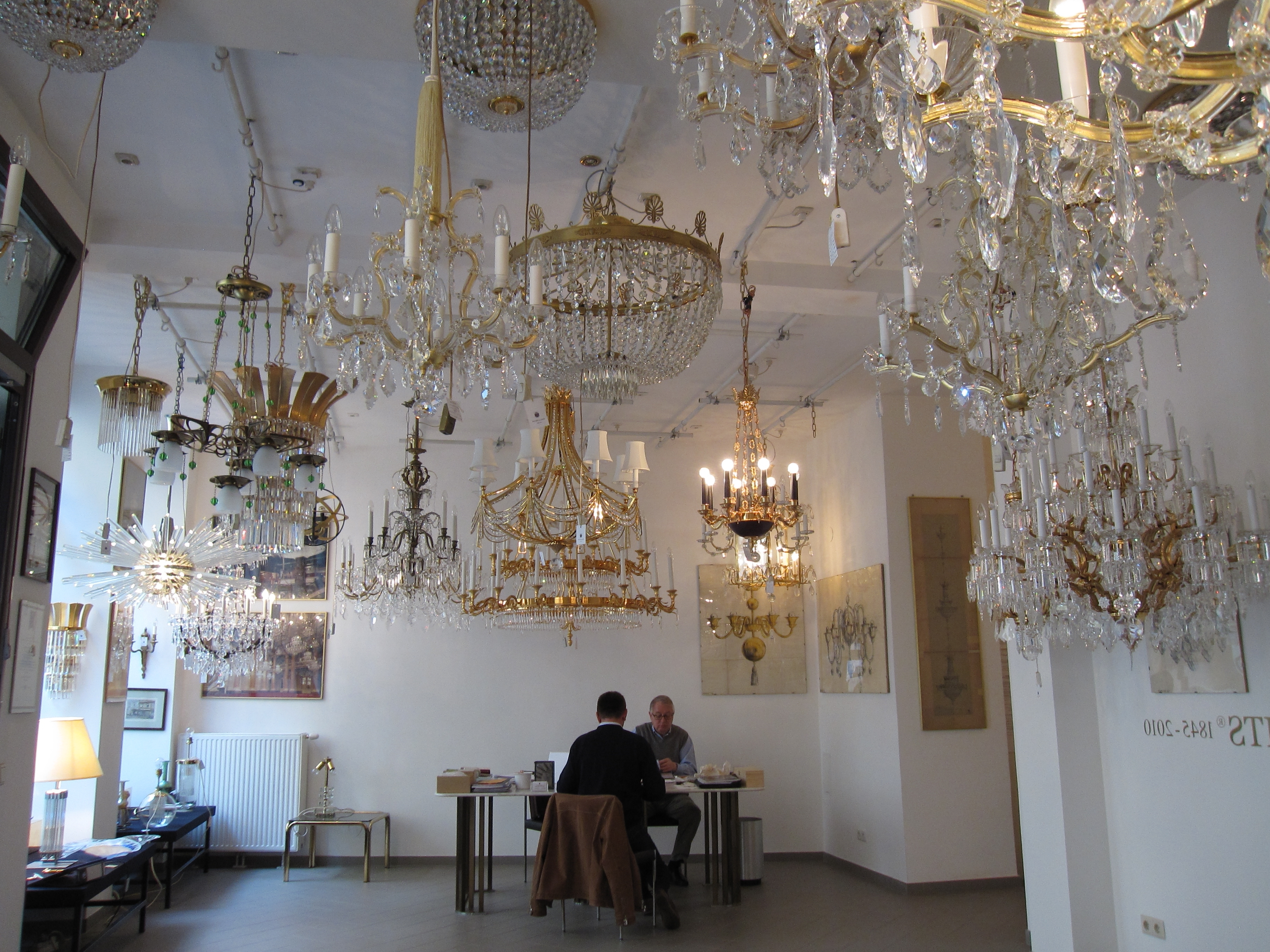 Preferred Vienna Crystal Chandeliers For File:bakalowits Crystal Vienna 2 – Wikimedia Commons (View 8 of 15)