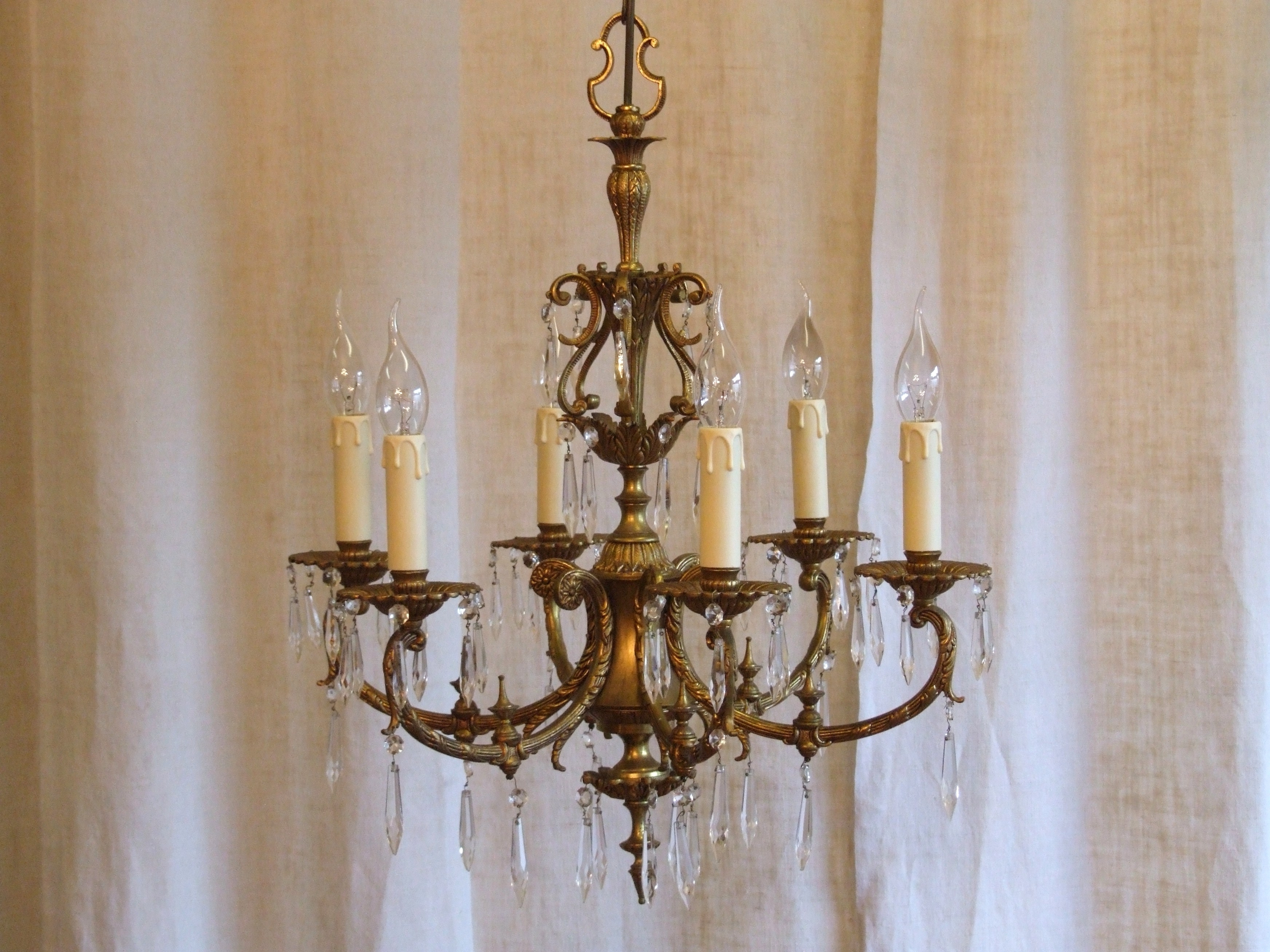 Recent Vintage Italian Chandelier For L158/s – Exquisite Vintage Italian 6 Arm Gilded Brass And Crystal (View 9 of 15)