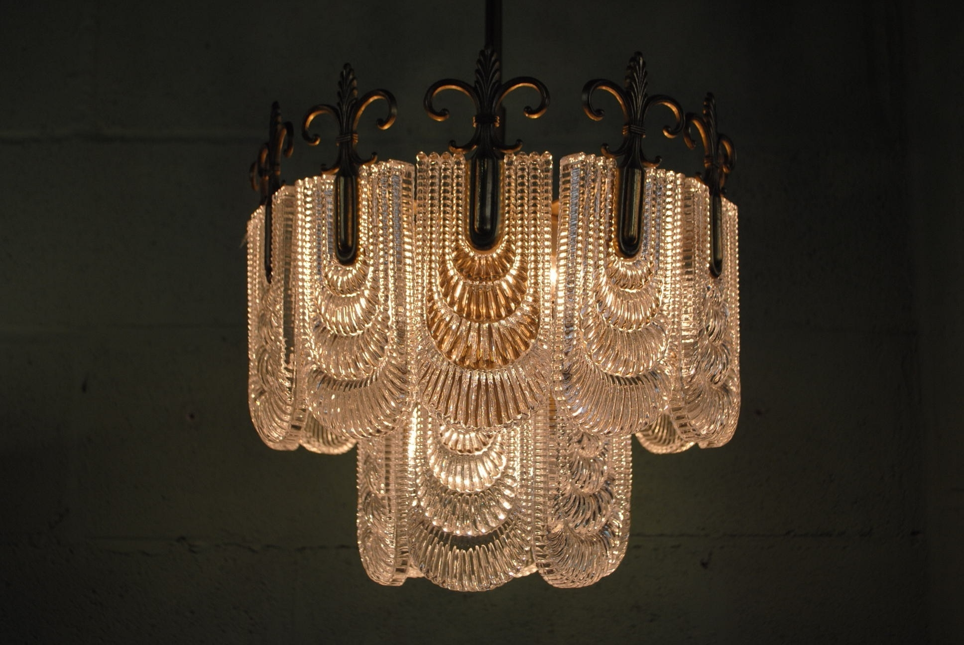 Traditional Chandelier Lighting – Aneilve In Most Current Traditional Chandelier (View 10 of 15)