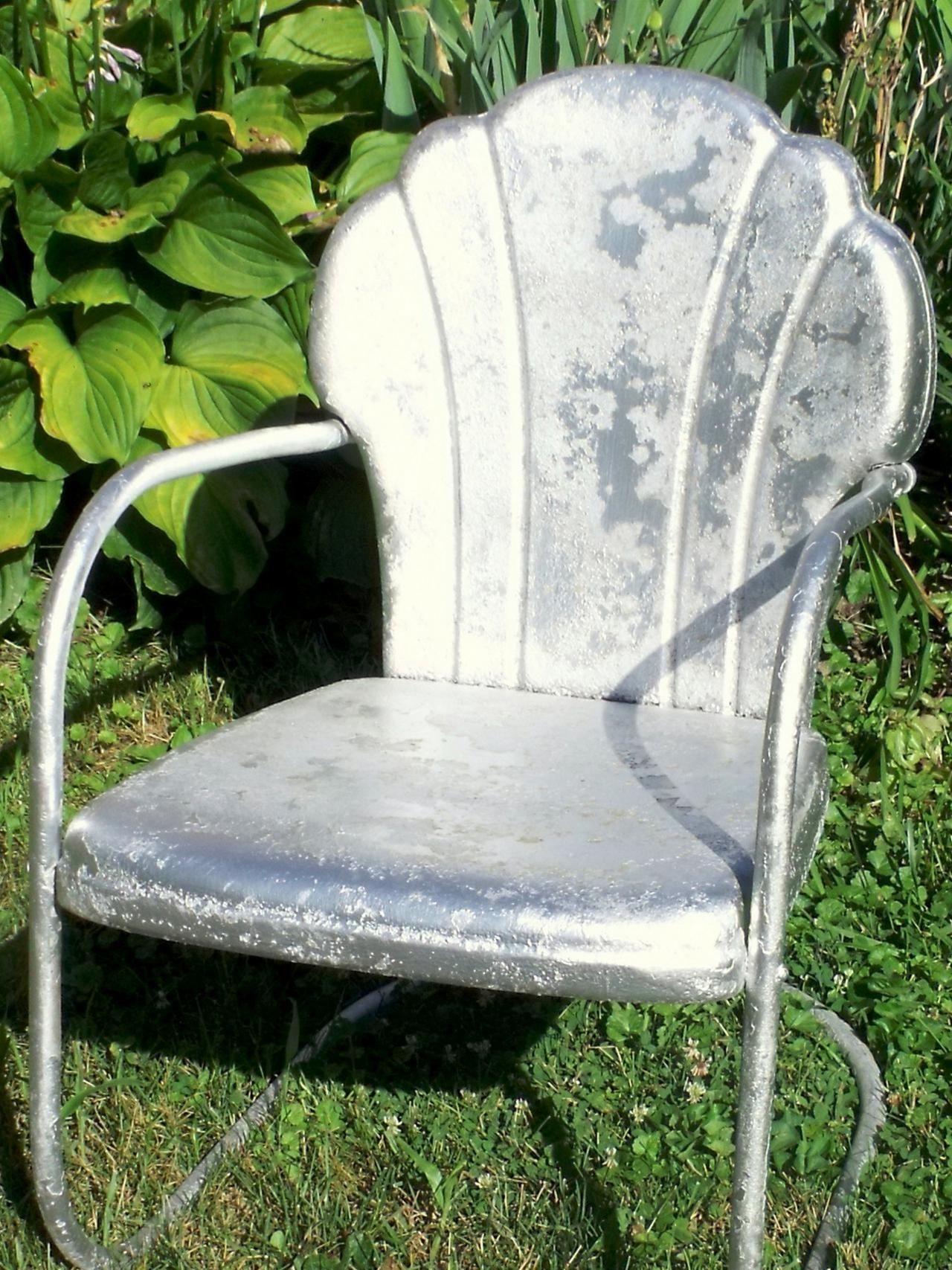 2017 Vintage Metal Rocking Patio Chairs Throughout How Tell Metal Furniture And Decor Worth Refinishing Diy Outdoor (View 1 of 15)