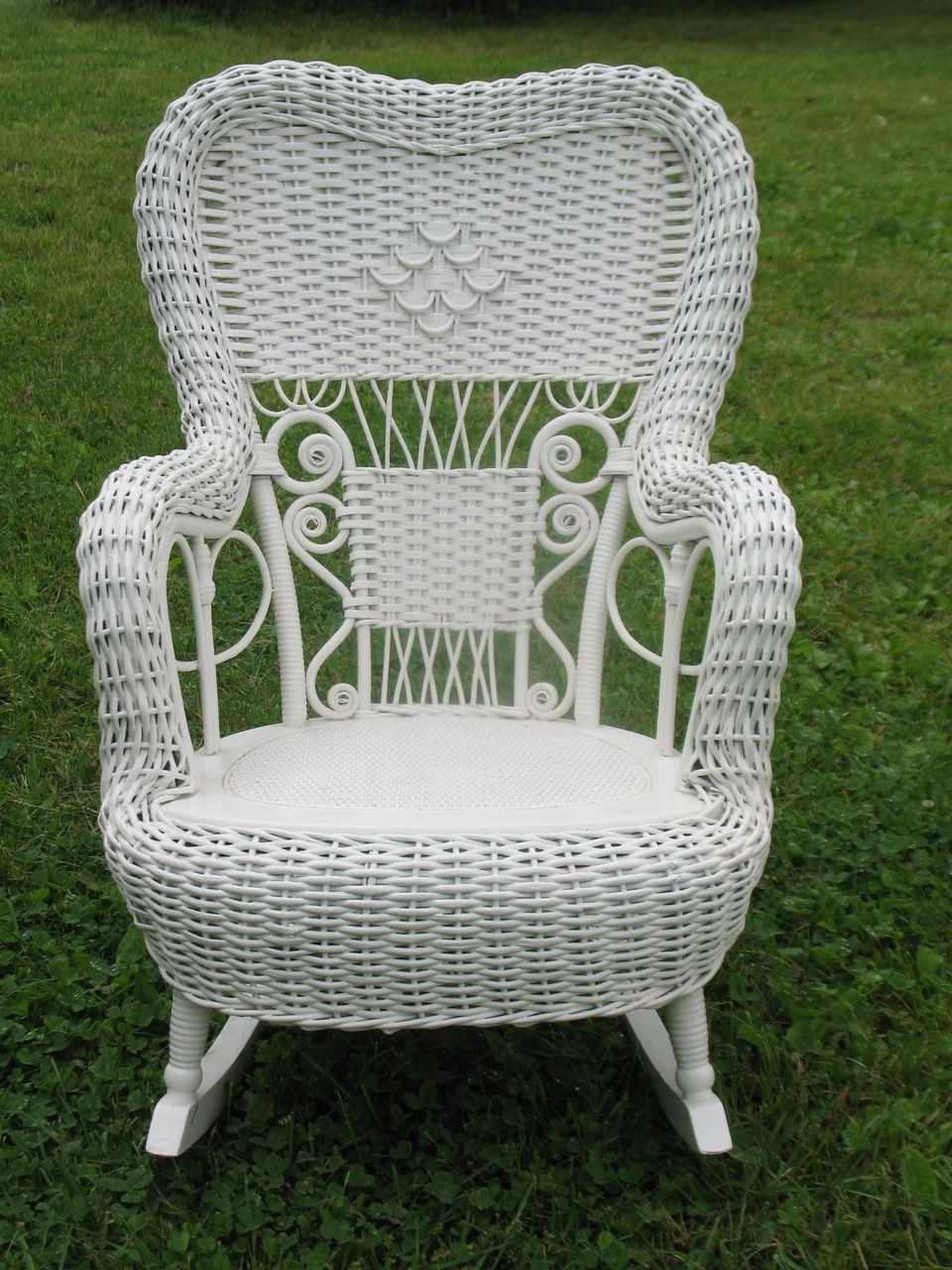 Current Outdoor Vintage Wicker Rocking Chair With Green Color Chairs Rocker With Vintage Wicker Rocking Chairs (View 9 of 15)